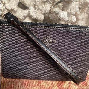 Preowned Coach Small Wristlet